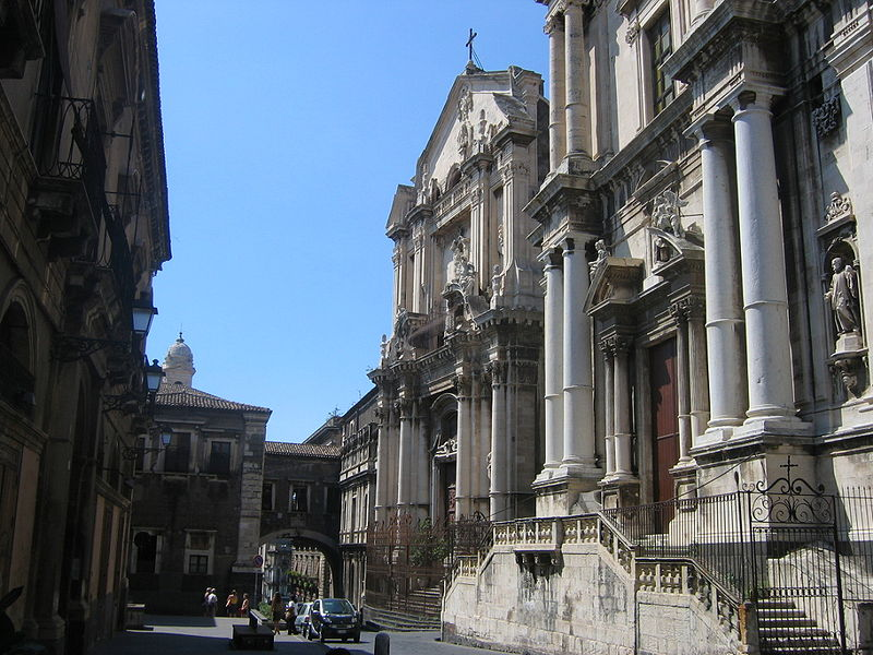 Via Crociferi: il salotto barocco di Catania