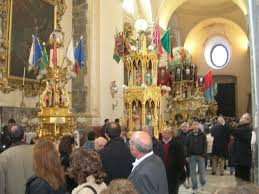 Some candelore into the church